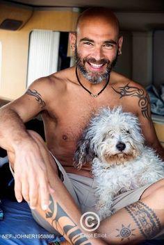 Muž se svým kudrnatým psem Mature man with dog Man And Dog, Mature Men, Dog Lovers, Dogs, Pet Dogs, Doggies