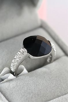 Vintage Black Crystal Ring