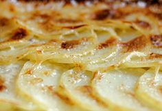 gratin dauphinois potatoes au gratin, Cheesy Potatoes Au Gratin Lil Luna, Perfectly Creamy Au Gratin Potatoes The Daring Gourmet. Patate Dauphinoise, Potatoes Au Gratin, Cook Potatoes, Russet Potatoes, Potato Side Dishes, Vegetable Dishes, Main Meals, Family Meals, Family Recipes