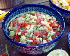 Avokado-tomaattisalsa - Kotiliesi.fi Chili, Salsa, Mexican, Vegetables, Ethnic Recipes, Food, Chile, Essen, Vegetable Recipes