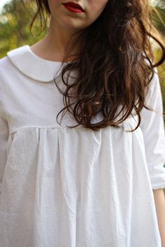 Natural hair, bare face, casual clothes, and red lipstick Looks Style, Style Me, Look Fashion, Fashion Beauty, Inspiration Mode, Look Vintage, Dita Von Teese, Mode Style, Get Dressed