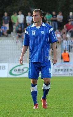 Łukasz Maliszewski wrócił do Gorzowa już jako ukształtowany zawodnik, z przeszłością w ekstraklasie. Czy ze Stilonem, podobnie jak kilka lat temu z GKP, Sporty, Tops, Style, Fashion, Swag, Moda, Stylus, Fashion Styles, Fashion Illustrations
