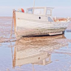 "Lucy Ledger az Instagramon: ""Beautiful New Years Eve beach walks 💕"" The Beach, Beach Walk, New Years Eve, Walks, Outdoor Blanket, Beautiful, Instagram, Beaches"