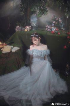 Ulzzang Korean Girl, Cute Korean Girl, Princess Aesthetic, Aesthetic Girl, Pretty Dresses, Beautiful Dresses, Set Fashion, Fantasy Princess, Fairytale Dress