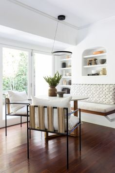 A Spanish-Style Home Refresh with Zero Remodeling - Sunset - Sunset Magazine Living Room Bench, Living Spaces, Living Rooms, Cozy Cafe, Beautiful Dining Rooms, Dining Nook, Style Tile, Built In Shelves, Furniture Layout