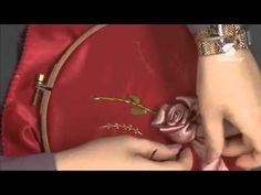 قسطبينة وسادة حمراء Samira Tv Ribon Embroidery, Samira Tv Youtube, Ribbon Work, Embroidery Techniques, Learn To Sew, Couture, Sewing, Crochet, Flower