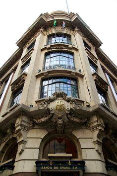 Resgatar a história de São Paulo através de sua arquitetura é a proposta do…