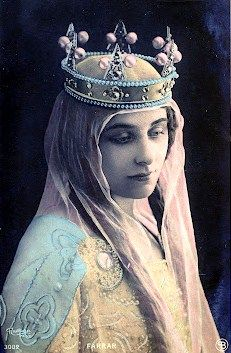Vintage photo woman with crown