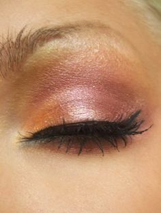 Sephoras Eyeshadow Starry sky (svartglittrig)  Lumenes eye intensifyer Liquid eyeliner black