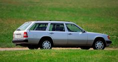 mbS124 13 The Estate models of the Mercedes-Benz 124 series. The photo shows a 230 TE subsequent.jpg; 800 x 425 (@100%)