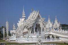 2014 Photograph, Wat Rong Khun Ubosot, Tambon Pa Tan, Khun Tan District, Chiang Rai Province, Thailand, © 2014.  ภาพถ่าย ๒๕๕๗ วัดร่องขุ่น อุโบสถ ตำบลป่าตาล อำเภอขุนตาล จังหวัดเชียงราย ประเทศไทย