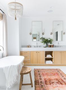 13 Ways to Get Your Bathroom Looking Fresh And Clean for Spring (image Amber Interiors) #bathroom #springcleaning #bathroominspo
