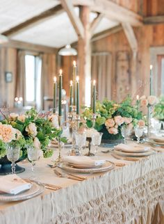 Aspiring wedding planners and couples alike, you're going to want to cozy up with your afternoon cup of hot cocoa and feast your eyes on thisBig Sky Country beauty. It's the culmination of Laurie Arons Wedding Planner Masterclass (if you missed Part I, see it here!) and it's a divine pairing of rustic elegance if […]