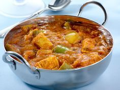 Discover the curry chicken recipe at Thermomix – The most beautiful recipes Fried Fish Recipes, Meat Recipes, Indian Food Recipes, Chicken Recipes, Ethnic Recipes, Curry Recipes, India Food, Chutney Recipes, Cooking