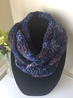 Chunky Infinity Scarf Crochet – KARDS and Gifts