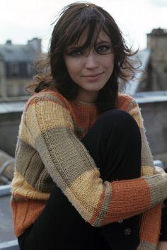 Anna Karina En France en septembre 1967 portrait de Anna KARINA actrice portant un pull en extérieur
