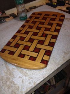 Basket weave cutting board a gift to my sister. I make a huge assortment of Diy Furniture Plans Wood Projects, Woodworking Projects That Sell, Woodworking Jigs, Diy Cutting Board, Wood Cutting Boards, Wood Plans, Wood Turning, Wood Art, Wood Crafts