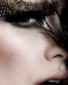 :::: Luv to Look ::: 'Cuz there's beauty in everything: Feathers make up Bird Makeup, Eye Makeup, Eyelashes Makeup, Extreme Makeup, Feminine Mystique, Virtual Fashion, Beauty Shots, Fantasy Makeup, Eye Art