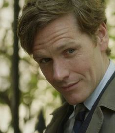 《♡》 Famous Detectives, Tv Detectives, Endeavour Morse, Shaun Evans, Good Looking Actors, Detective Shows, British Actors, Dr Who, Best Actor