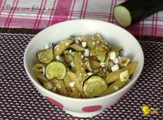 Pasta con feta e zucchine ricetta veloce il chicco di mais Pasta, Pickles, Sprouts, Cucumber, Vegetables, Estate, Food, Cooking, Spring