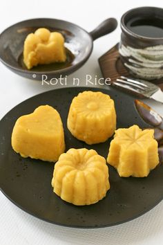 This easy Sweet Corn Pudding uses only 5 pantry ingredients. It is delicious served as a light dessert or a tea time treat. | Food to gladden the heart at RotiNRice.com