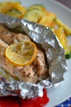 Łosoś pieczony w folii Polish Recipes, Polish Food, Monkey Business, Chicken Tacos, Fish And Seafood, Seafood Recipes, Grilling, Food And Drink, Healthy Eating