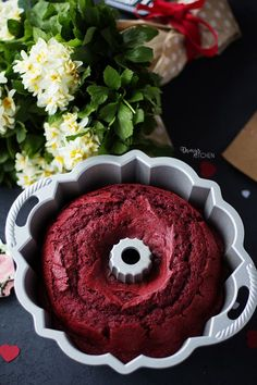 A sort of & # red love cake & # I said I fell in love with him . First with its color and texture and taste. A sort of & # red love cake & # I said I fell in love with him . First with its color and texture and taste. Small Desserts, Great Desserts, Holiday Desserts, No Bake Desserts, Dessert Recipes, Tiramisu Dessert, Dessert Bars, Red Velvet Bundt Cake, Tolle Desserts