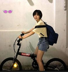 Short Hair Tomboy, Short Hair Outfits, Asian Short Hair, Girl Short Hair, Tennis Fashion, 80s Fashion, Lee Joo Young, Prity Girl, Shot Hair Styles