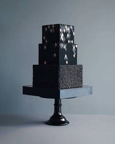These Luxurious Towering Cakes Look Like They Are Straight Out Of The Fairy Tale - Russian Confectioners Make Elegant Cakes That Look More Like They Came Out Of A Fairy Tale - Black Wedding Cakes, Cool Wedding Cakes, Beautiful Wedding Cakes, Wedding Cake Designs, Beautiful Cakes, Amazing Cakes, Fondant Cakes, Cupcake Cakes, Cupcakes