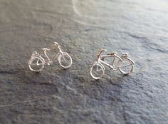 He encontrado este interesante anuncio de Etsy en https://www.etsy.com/es/listing/281271530/bici-bicicleta-bicycle-pendant