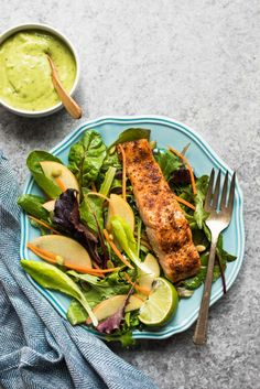 Cajun Spiced Baked Salmon with Avocado Lime Sauce - a healthy, gluten-free meal ready in under 30 minutes! by /healthynibs/ Healthy Dishes, Healthy Meal Prep, Healthy Dinner Recipes, Healthy Eats, Salmon Recipes, Fish Recipes, Seafood Recipes, Baked Salmon, Food Processor Recipes