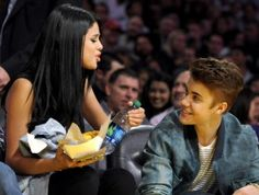 Selena Gomez and Justin Bieber at the Lakers game April 17th (Pictures)