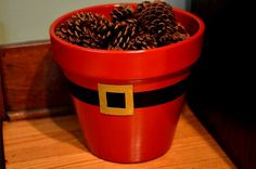 Perfect way to reuse an old planter and display scented pine cones! Christmas Plants, Christmas Clay, Christmas Projects, Christmas Holidays, Clay Pot Projects, Clay Pot Crafts, Xmas Crafts, Painted Plant Pots, Painted Flower Pots