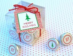 Merry Kissmas plus 12 Free Christmas Printables by nannie