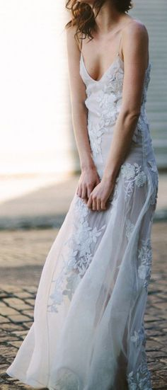 ♔ Lace gown