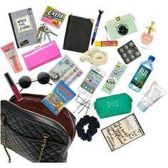 Todo lo que una chica tiene en su cartera