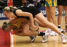 Sharelle McMahon (Aus) battling with Katrina Grant (NZ) But Football, Silver Fern, Netball, Sport Girl, Homeland, Ferns, Pretty Girls, Drill, Cool Pictures
