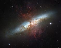 Messier 82 - localizada a cerca de doze milhões de anos-luz de distância na direção da constelação de Ursa Maior. Distância da Terra: 11.420.000 anos-luz Constelação: Ursa Major 147419main_hst_m82_full.jpg (1280×997)