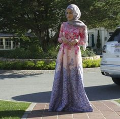 Beautiful floral dress. Perfect creases with the right material ♡ #hijab