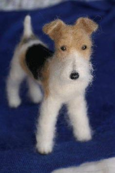 where did you get the felt and stuff for this i've been looking every where? Fox Terriers, Wire Fox Terrier, Wet Felting Projects, Needle Felting Tutorials, Felt Projects, Felt Fox, Mini Dogs, Schnauzer Puppy, Felt Mouse