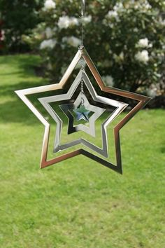Star Wind Spinner with Crystal Garden Spinners, Wind Spinners, Aluminum Can Crafts, Metal Crafts, Garden Crafts, Garden Art, Mason Jar Art, Wind Sculptures, Mobiles