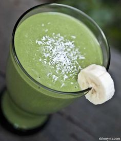 Coconut Banana Green Smoothie Ingredients •1/2 cup quinoa, cooked •1 medium banana •1/4 cup unsweetened apple juice •1 tbsp. unsweetened, dehydrated coconut •3/4 cup organic soy milk (or milk of choice) •1 cup spinach, packed •1/2 inch slice fresh ginger