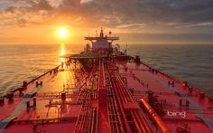 Oil tanker near Galveston Texas ( Louis Vest/Getty Images) - Merchant Navy, Merchant Marine, Jet Ski, Tanker Ship, Oil Tanker, Oil Refinery, Naval, Crude Oil, Yachts