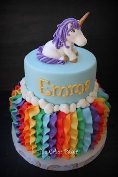 Children's Birthday Cakes - So pleased with how this one turned out! Rainbows and unicorns! Girly Cakes, Fancy Cakes, Pretty Cakes, Cute Cakes, Rainbow Birthday Party, Birthday Cakes, Unicorn Birthday, Unicorn Party, 5th Birthday