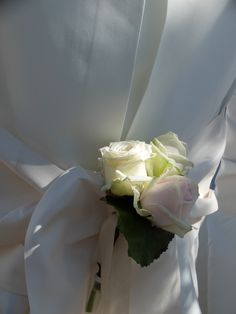 Ceremonia civil en el Convent de Blanes | Detalle floral en las sillas nupciales | Boda en la Costa Brava | Boda en tonos maquillaje  #lafloreria #altar #ceremonia #florceremonia #barcelona #novias #bodas #wedding #sillas #ceremonybarcelona #ceremony ♥ ♥ La Floreria ♥ ♥ para descubrir nuestras creaciones visita la web: www.lafloreria.net/ ♥UNA BODA ROMÁNTICA | LA FLORERIA