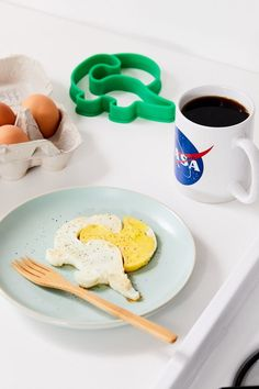 Check out Eggosaurus Egg Shaper from Urban Outfitters Banquettes, Fold Down Beds, Fluffy Eggs, Glass Storage Jars, Tin Candles, Recycled Leather, Cushion Filling, Egg Shape, Cutlery Set