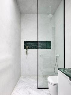 Bad Inspiration, Bathroom Inspiration, Bathroom Inspo, Douche Design, Walk In Shower Designs, Melbourne House, Tadelakt, Inviting Home, Parisian Apartment