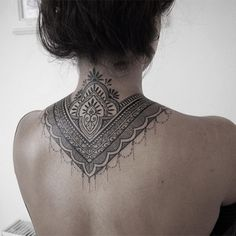 Les tatouages ornementaux occupent une place importante dans le tatouage…