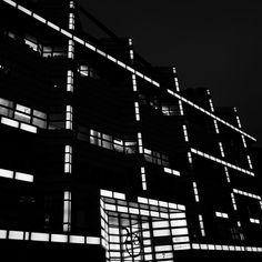 Berlin lights.   - - -   #Architecture #Deutschland #Berlin  #archidaily #archi #minimal #latergram #noiretblanc #blacknwhite #blackandwhite #bnw #monochrome #instablackandwhite #monoart #insta_bw #_society #bw_lover #bw_photooftheday  #photooftheday #bw #instagood #bw_society #bw_crew #insta_pick_bw  #igersbnw #monotone #monochromatic #noir #archi_bw #archilovers