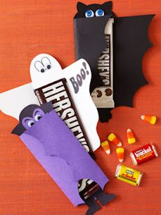 Halloween Craft Candy Wrappers. Such a darling idea and great for school gifts. Click on picture on top right of blog for template.